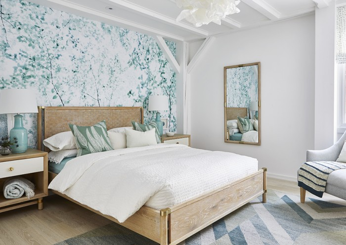Contemporary Chalet - Girl's Room