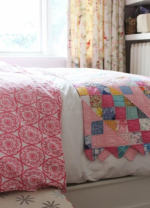 Country girl's bedroom with pinks and patchwork quilt - Sarah Richardson
