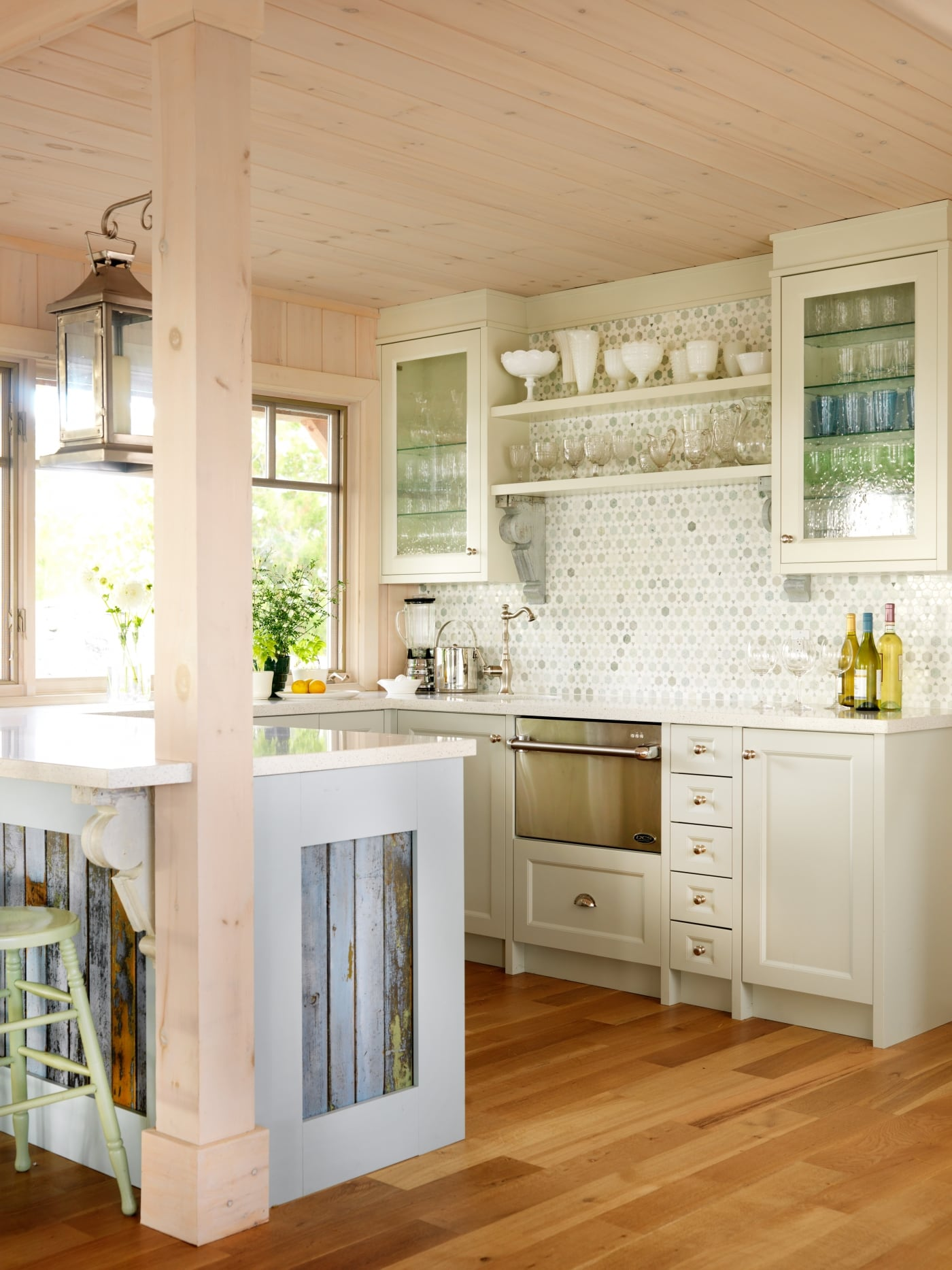 Wet bar with built in dishwasher and see through glass cabinets. #SarahRichardson #cottagestyle