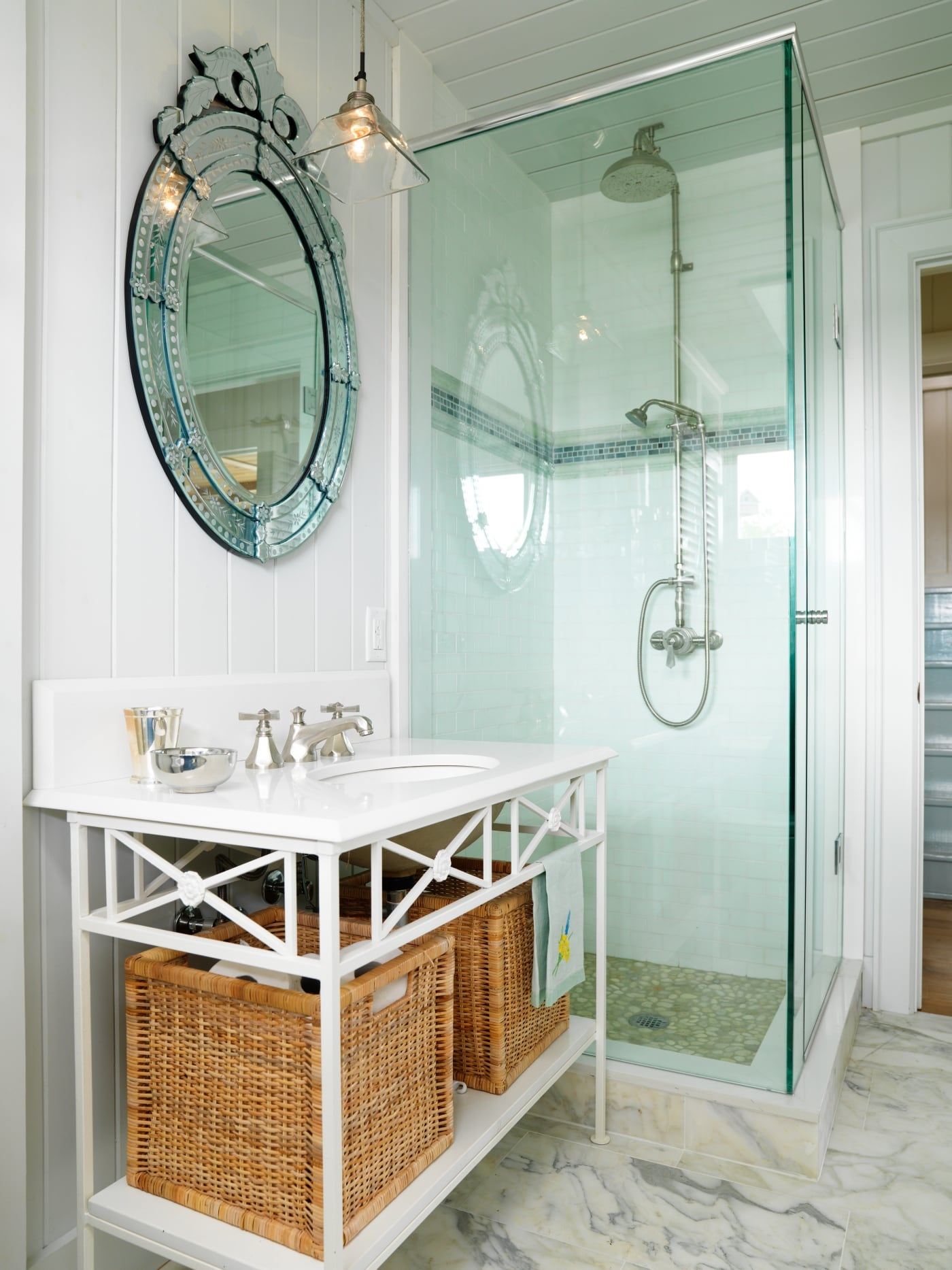 Standing full glass shower with white sink to the side if the shower. #SarahRichardson #cottagestyle