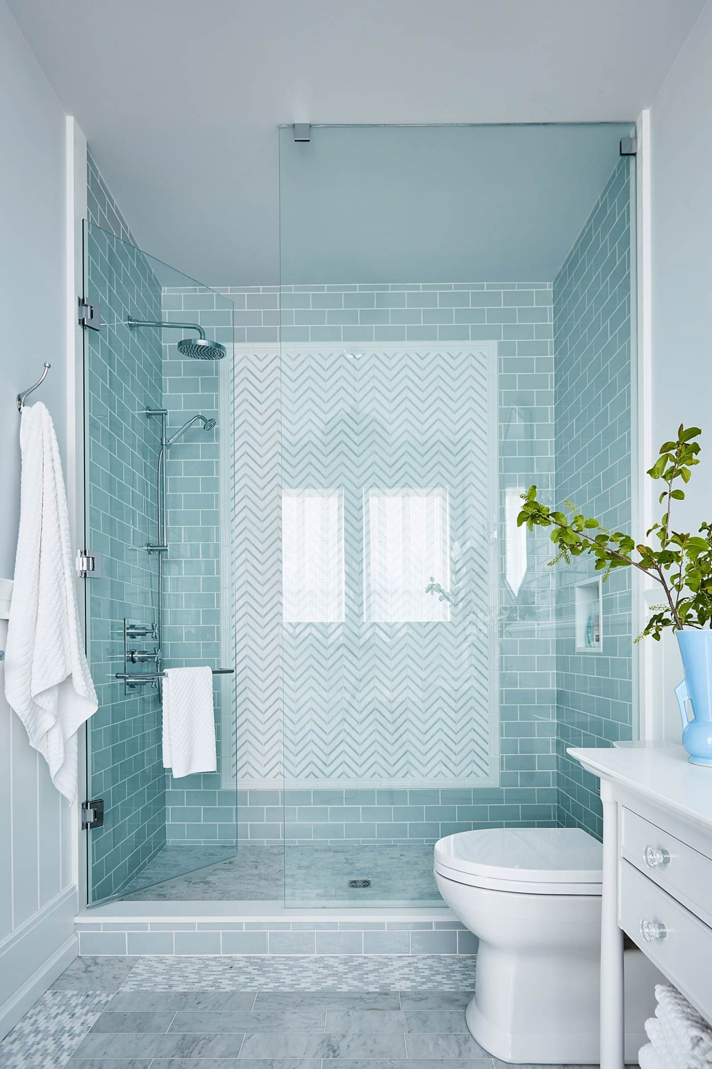 Glass Standup Shower with glass wall and bright blue subway tile - #Sarah Richardson #turquoise