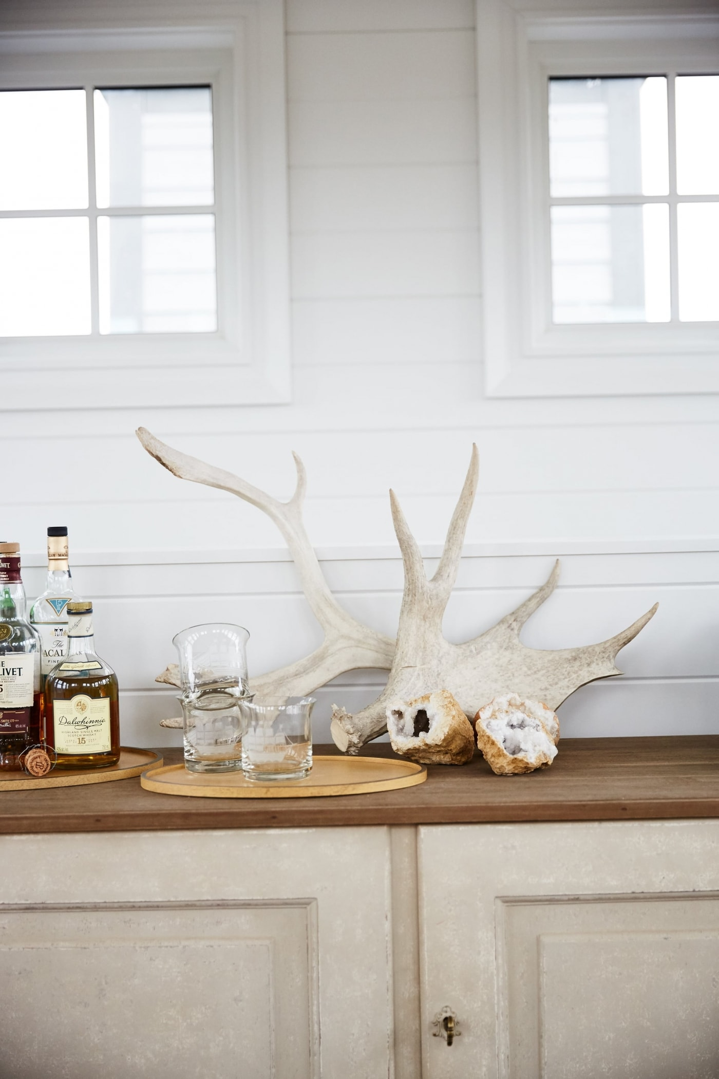 Belvedere - Sarah off the Grid. Shop the Room! Sarah Richardson {Belvedere Rooftop Gallery} #antlers #rusticdecor #SarahRichardson